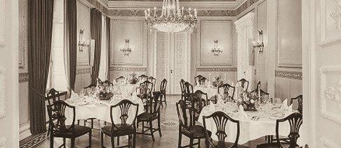 uebersee-club_innenansicht_tle-lounge-hamburg-v2